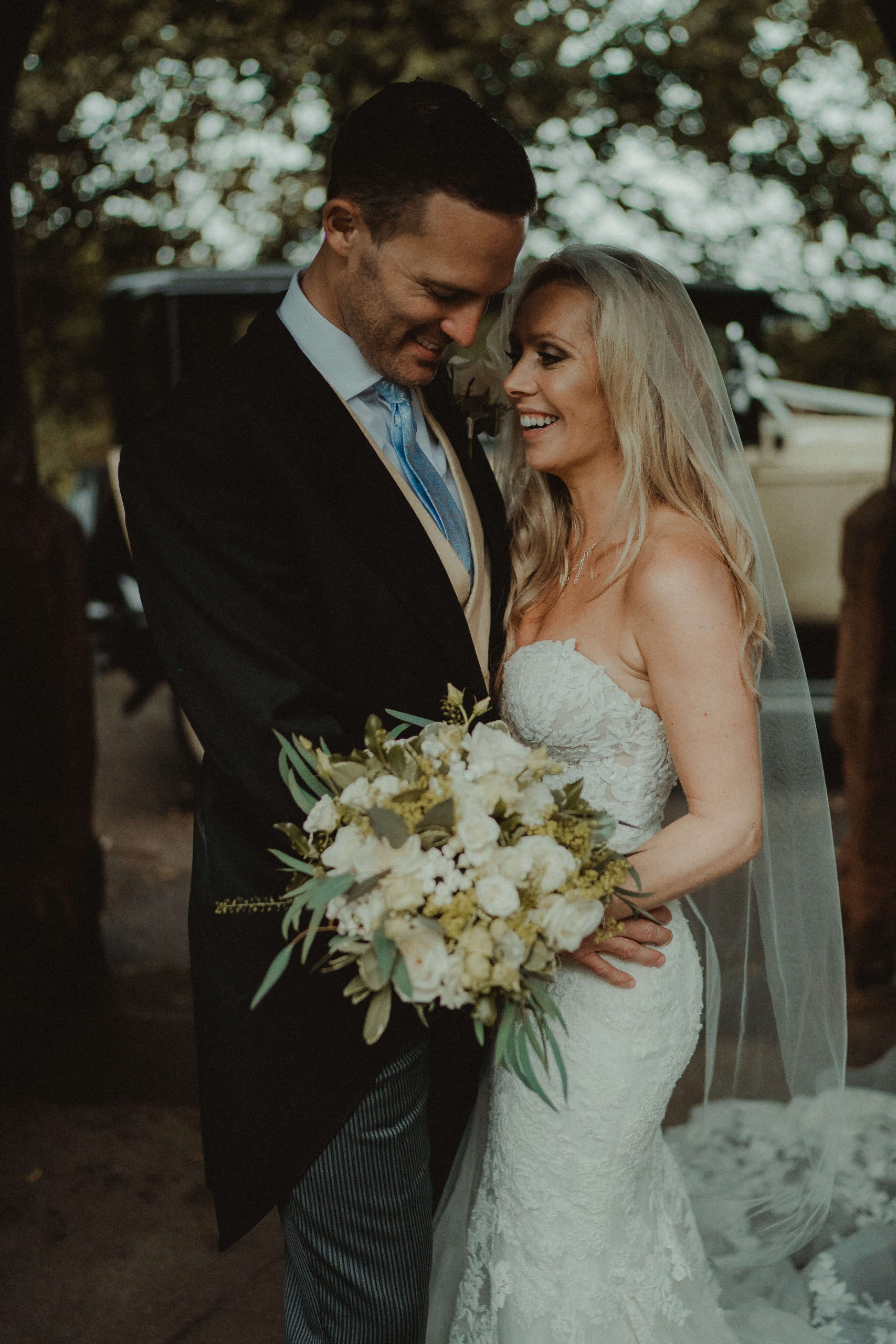 wedding-photographer-and-videographer-Weston-park-09
