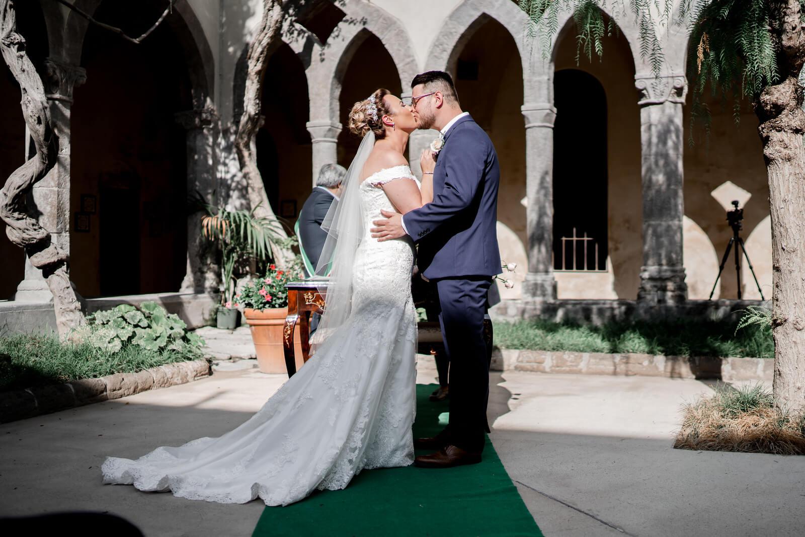 wedding-photographer-and-videographer-Chiostro-di-San-Francesco-02