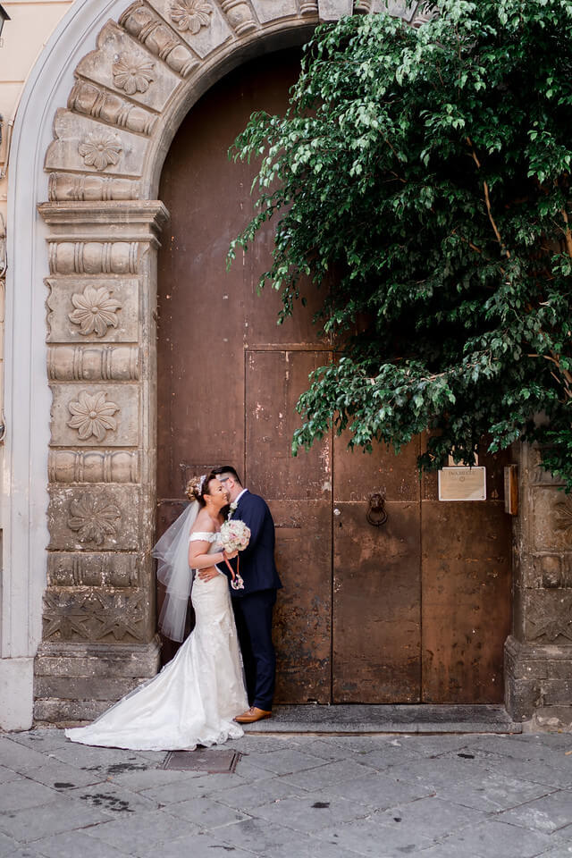 wedding-photographer-and-videographer-Chiostro-di-San-Francesco-12