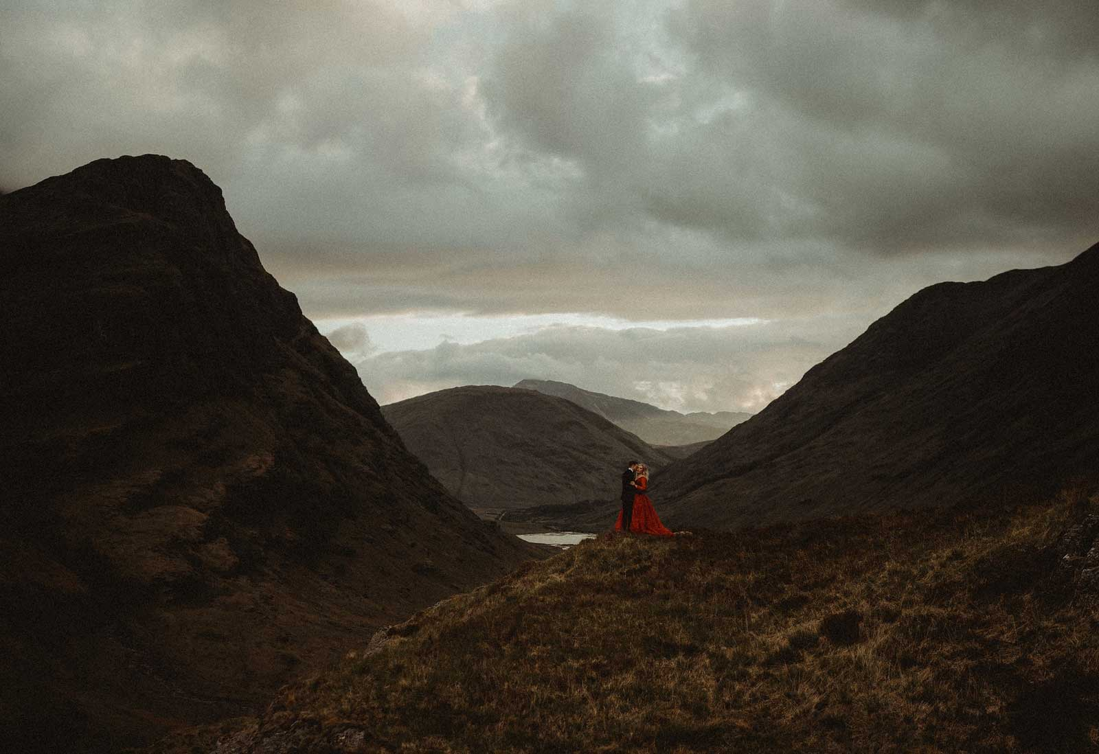 engagement photos taken within the mountains