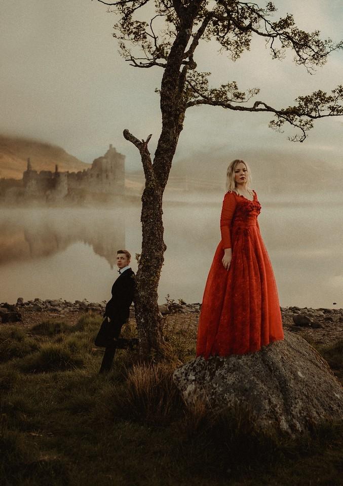 red dress, engagement photo, kilchurn castle
