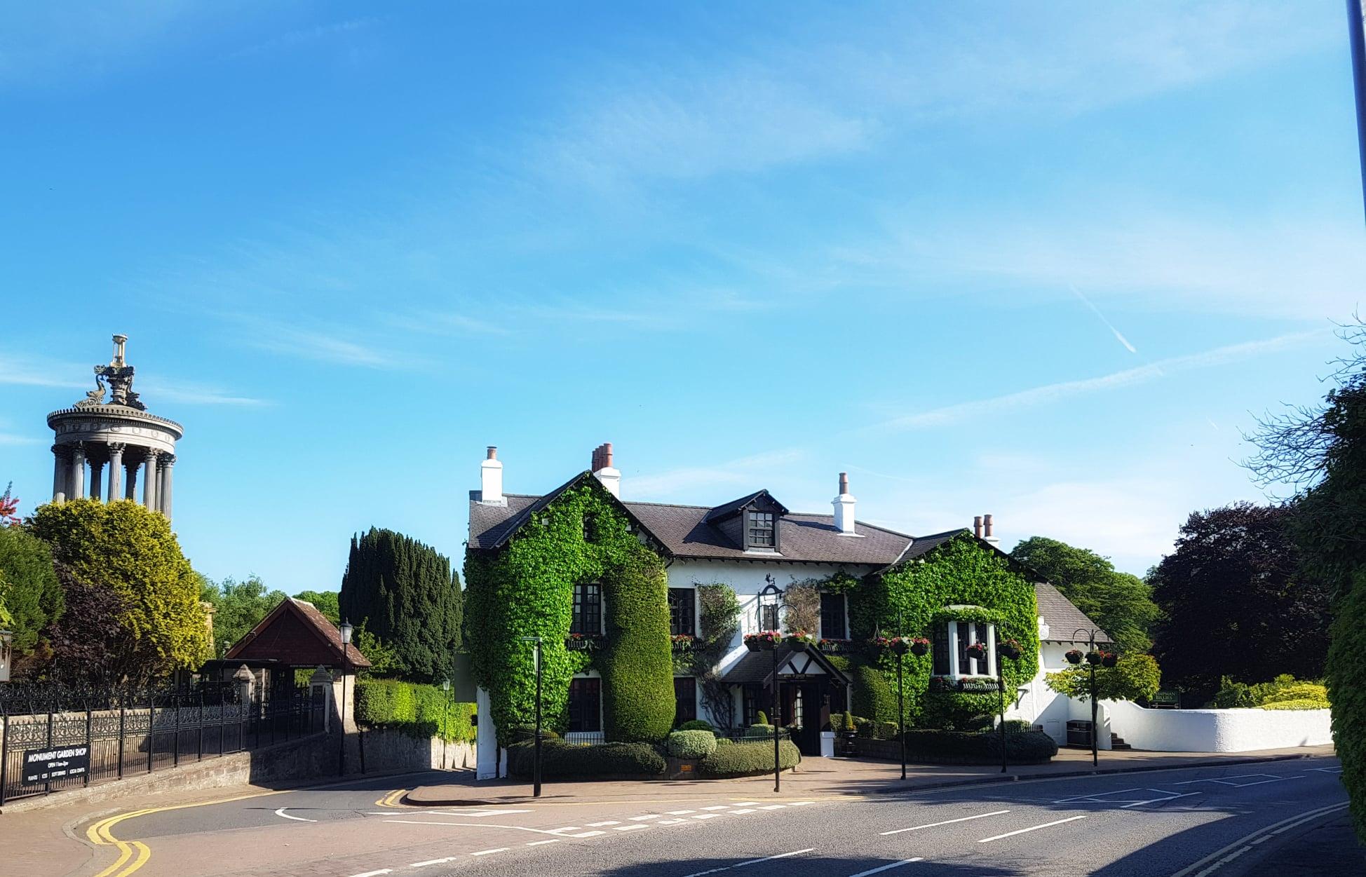 Brig o' Doon House