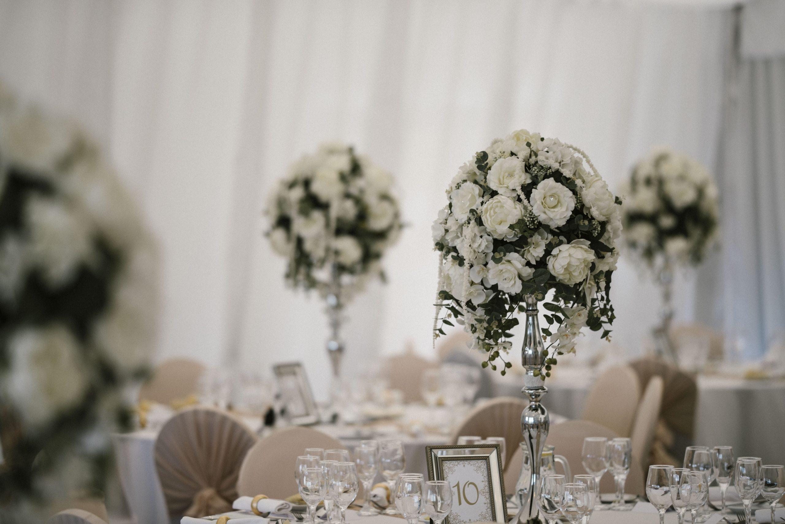Pretty Flowers Wedding Centrepiece Design