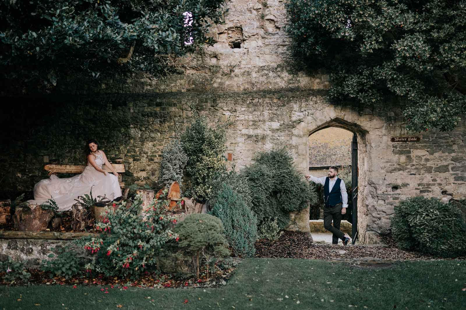 Stunning background with bride and groom