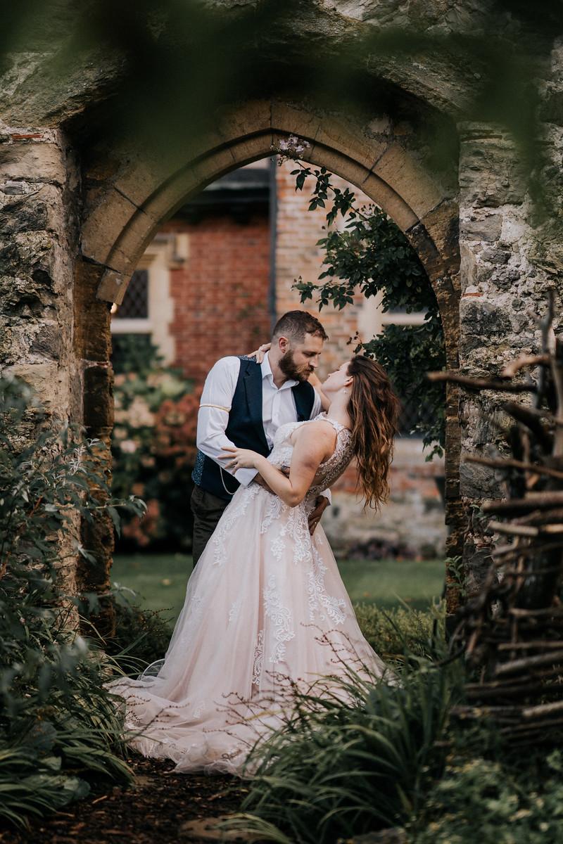 Bride and groom wedding photo - Wedding photography