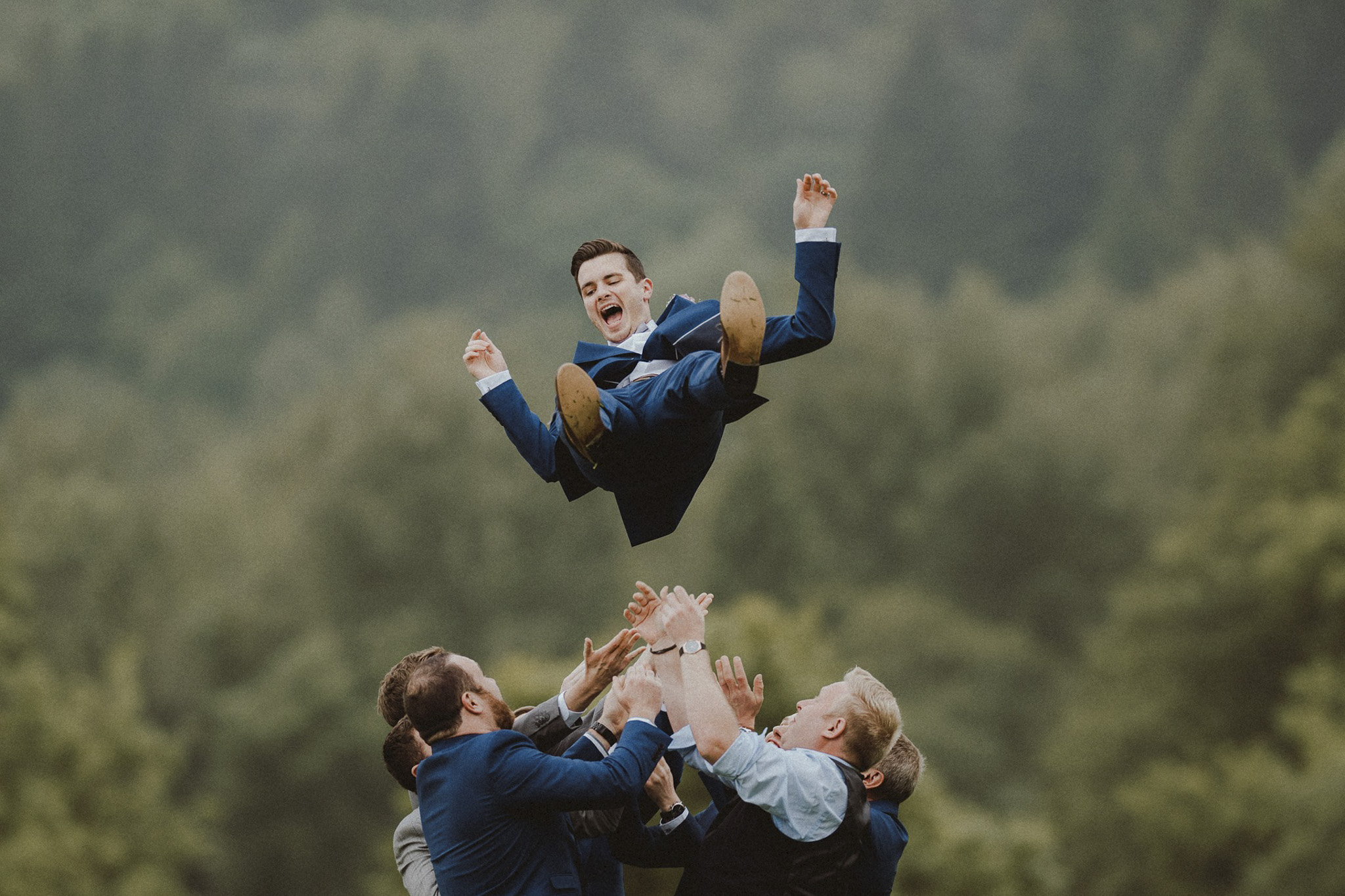 Unique and fun groomsmen wedding photo