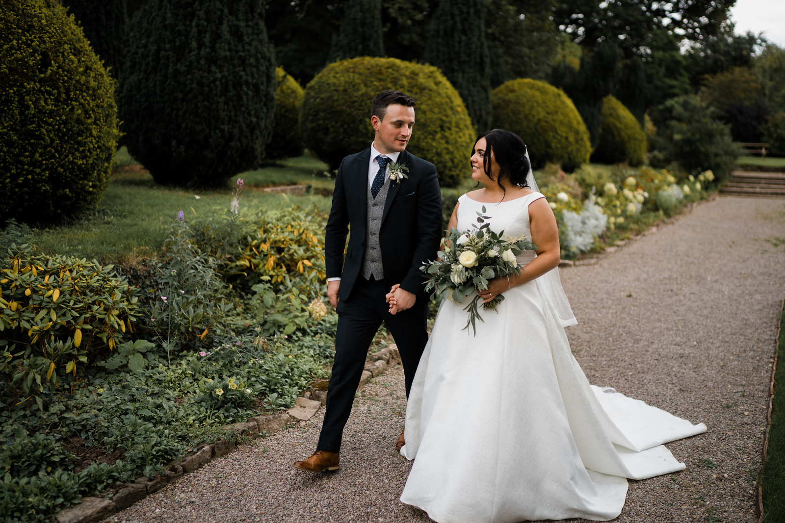 Bride and groom wedding photo - South Wales Wedding Photography