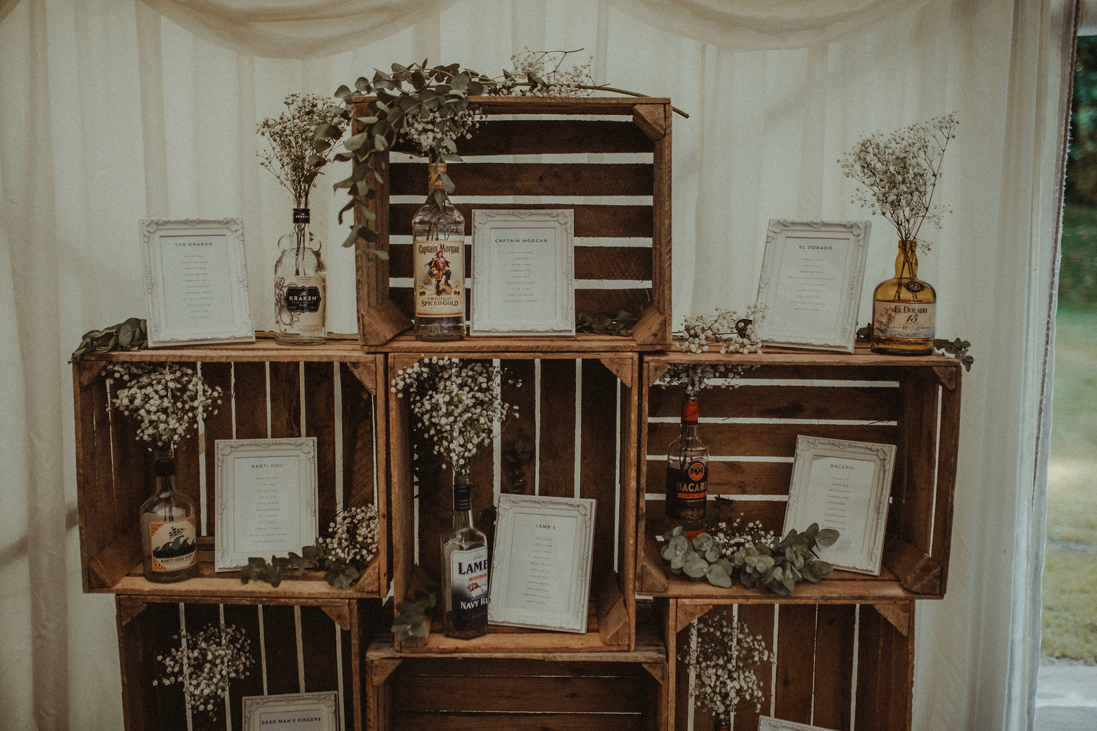 creative Rustic Theme Table Layout Design