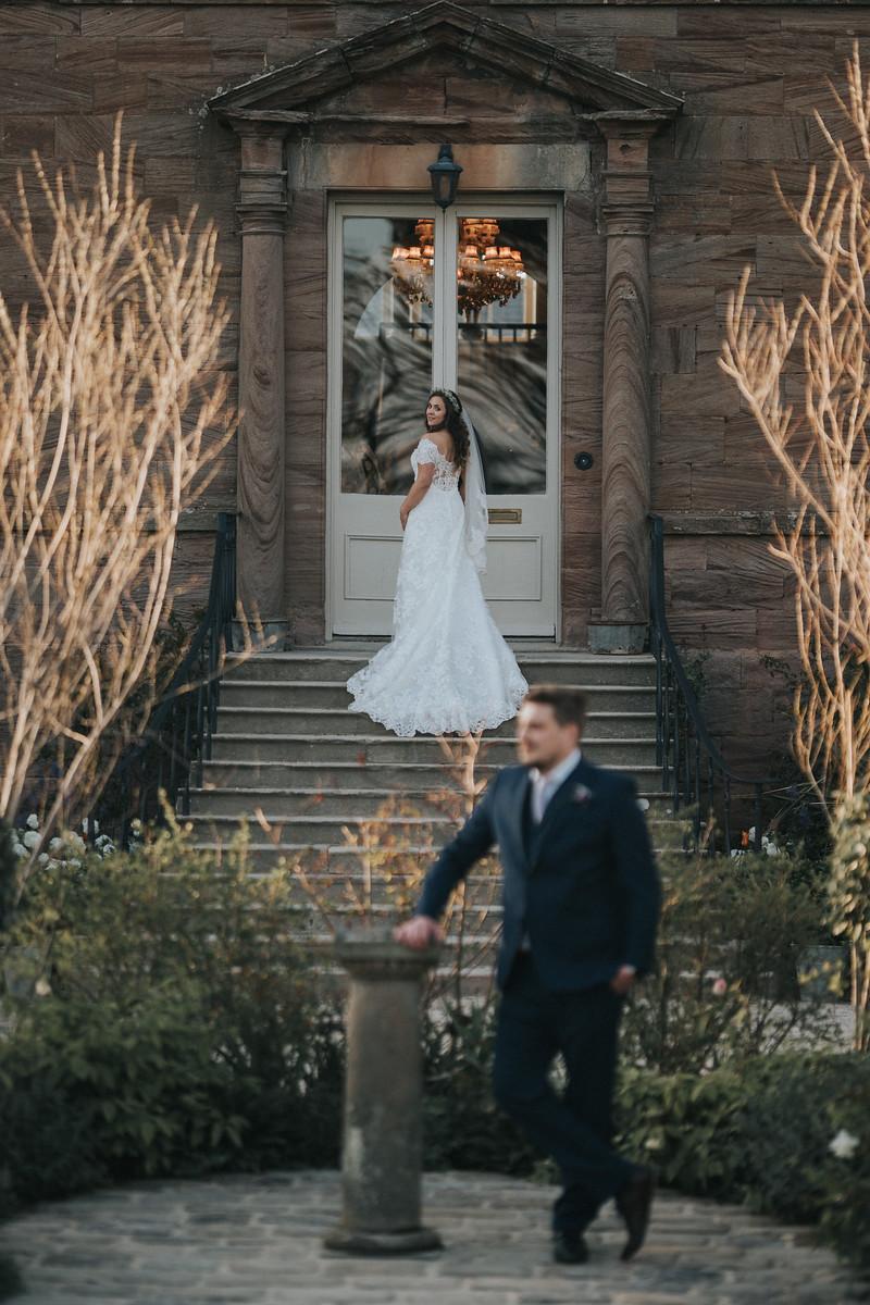 Bride and groom wedding photo - wedding photographers Northumberland