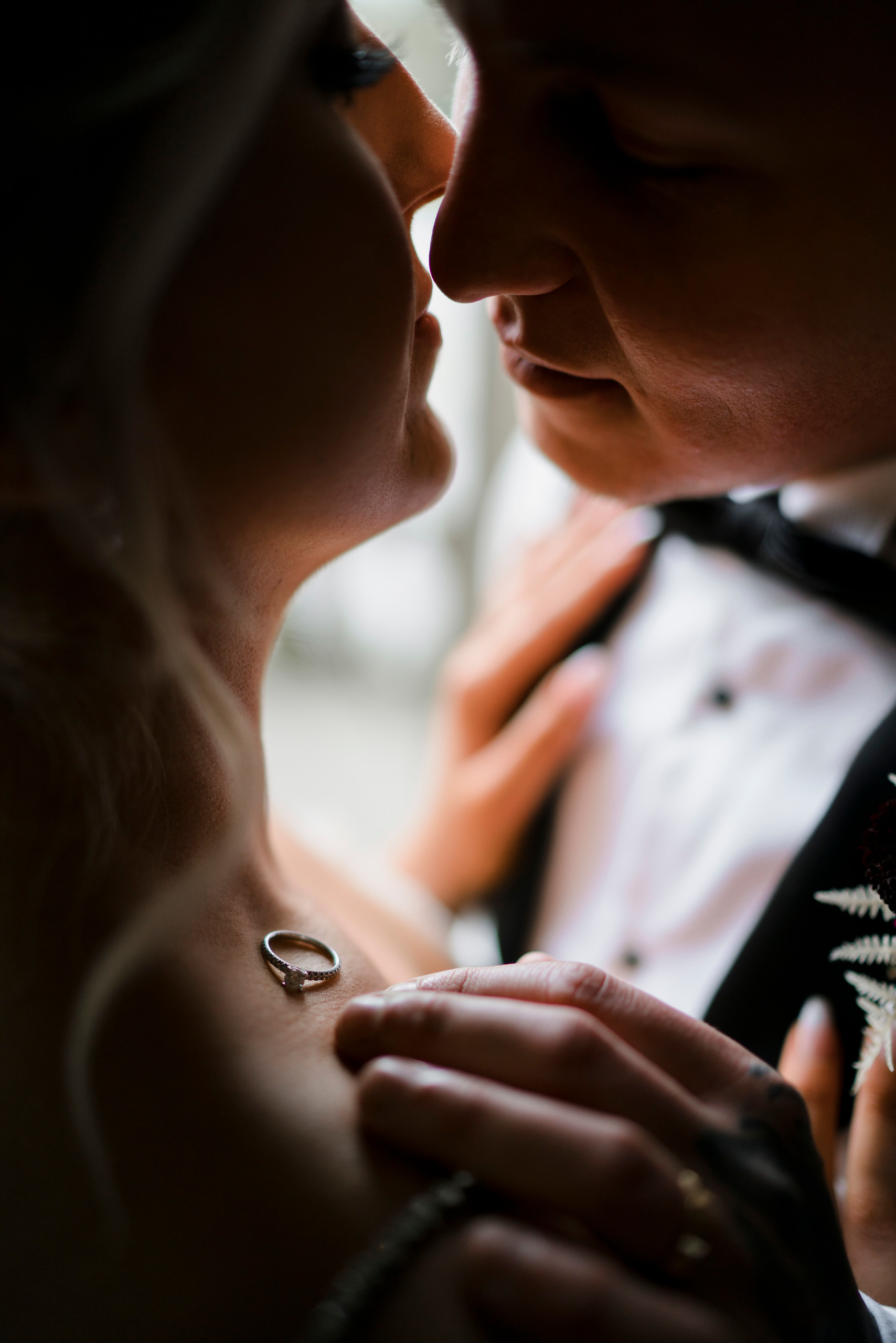 Unique wedding ring wedding photo| Full of love