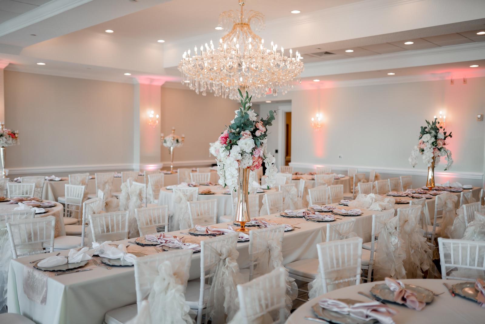 Elegant Wedding Table Layout
