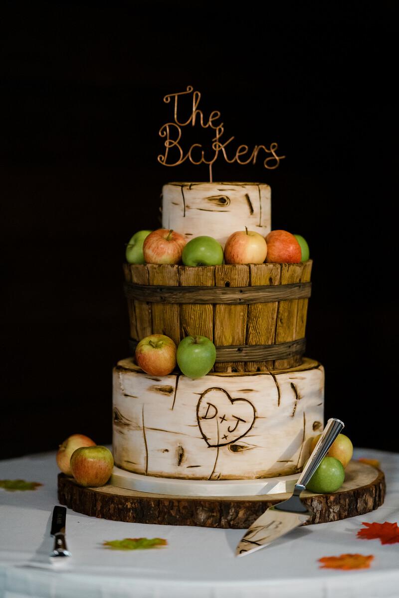 Autumn Theme Wedding Cake
